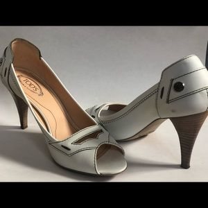 Tods Classic Peep Toes